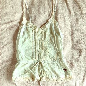 A&F cotton and eyelet lace tie tank button up xs